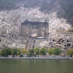 Dominantná jaskyňa v Longmen Grottoes