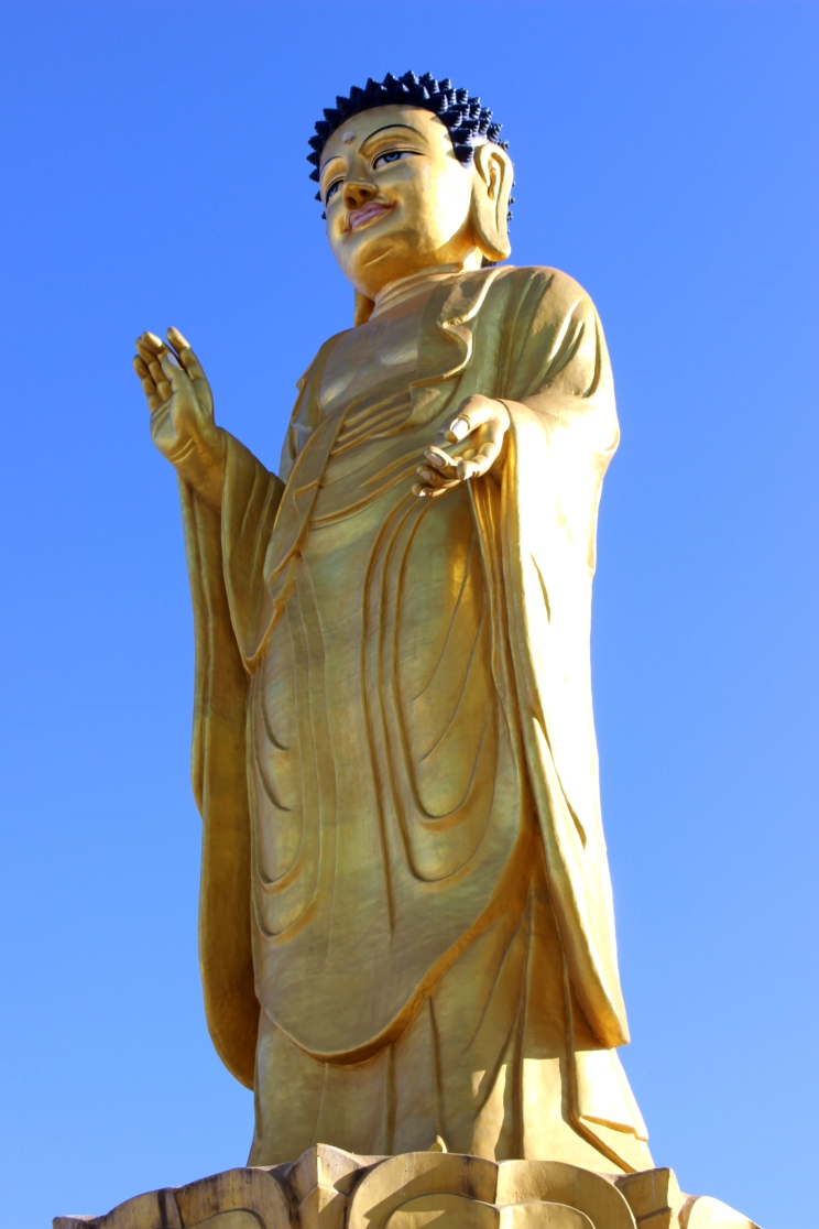 27 metrov vysoká socha Buddhu