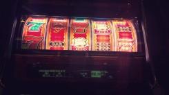 Tento automat nebol výherný, zhltol 40 HKD