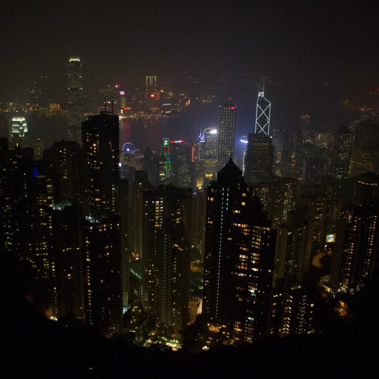 Nočný výhľad z najvyššieho miesta v Hong Kongu - Victoria Peak
