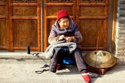 Babka-šička v uliciach
