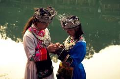 Turisti si mohli vyskúšať aj tradičné odevy provincie Hunan