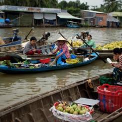 03_Floating-Markets-Mekong-river