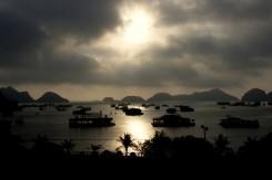 Západ slnka na ostrove Cat Ba