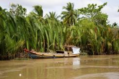 05_Ukotvena-lod-Mekong-delta