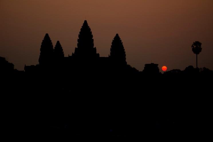 01_Angkor-Wat-sunrise