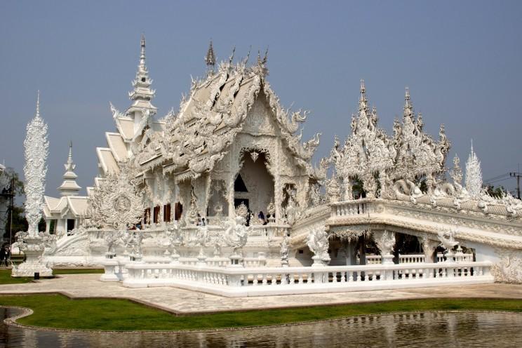 The White Temple, najbizardnejší chrám aký sme na našej ceste videli (Chiang Rai)