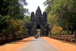 04_Angkor-vstupna-brana