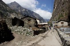 Jedna z mnohých dediniek na našej ceste okolo Annapurny