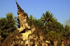 V Buddha Parku (Vientiane) nájdete veľa Budhov