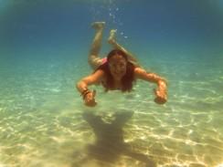 07_Nika-pod-vodou-Kambodza