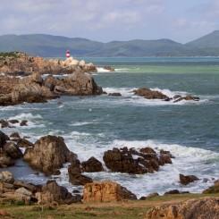 Maják na nepokojnom pobreží