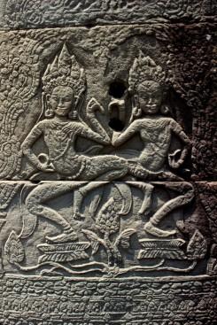 09_Vytesane-obrazce-Angkor