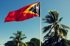 Vlajka Východného Timoru - jedného z najmladších štátov na svete