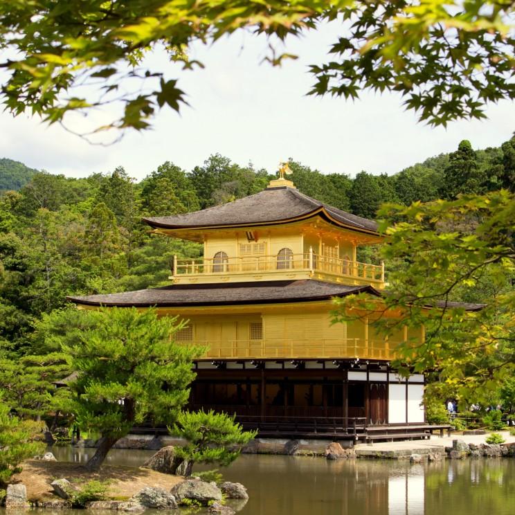 Zlatý Pavilón - jeden z najdominantnejších chrámov v Kyote