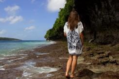Kamenisté útesy počas odlivu na východe krajiny