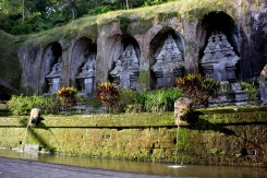 Gunung Kawi - tisícročie starý hinduistický chrám